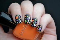 Halloween is just around the corner and if dressing up in ghoulish costumes isn't your thing, try something a little less in your face and more on your fingers. Get Nails, Fancy Nails, Love Nails, Pretty Nails, Halloween Nail Designs, Halloween Nail Art, Halloween Toes, Seasonal Nails, Holiday Nails