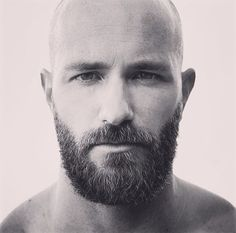 An awesomely thick moustache and beard - I wish I could achieve that style. Bald Men With Beards, Black Men Beards, Bald With Beard, Beard Fade, Hairy Men, Faded Beard Styles, Beard Styles For Men, Hair And Beard Styles, Shaved Head Styles