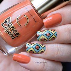 Bold nails, Contrast nails, Elegant nails, Ethnic nails, Everyday nails, Fall nails 2016, Geometric nails, Nails trends 2016