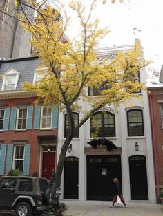 Greenwich Village Townhouse, NYC.  Rent-Direct.com - No Fee Rental Apartments in NY.