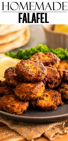 This Homemade Falafel recipe is crisp on the outside and soft on the inside! It's easy to bake or fry and tastes great in a pita wrap! Greek Recipes, Veggie Recipes, Seafood Recipes, Vegetarian Recipes, Dinner Recipes, Cooking Recipes, Pita Wrap, Falafel Sandwich, Falafel Pita