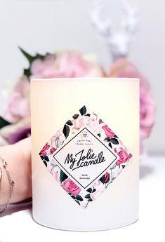Un bijou caché dans la cire de chaque bougie ! Comme @mari3mimi, laissez-vous porter par la rose sauvage… Symbole de l'amour depuis toujours, son odeur saura vous charmer ! Le plus ? Dans chaque bougie se trouve un sublime bijou serti de cristaux Swarovski©. Plaqué or, plaqué or rose, argent… Le top de l'idée cadeau pour toutes les occasions ! And for English people : #rose #candle #home #bedroom #decoration#woman #girl #room #ideas #living #modern #kitchen #house #jewel #scented #flower Candels, Or Rose, Bedroom Decor, Living Room Decor, Yankee Candles, Bracelets, Family Room Decorating, Decoration, Home Decor