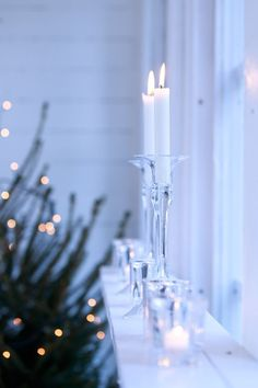 I know this a Christmassy picture but I love it. Candlelight is just so hygge! Noel Christmas, Merry Little Christmas, Christmas 2017, Christmas Colors, All Things Christmas, Winter Christmas, Yule, Christmas Wonderland, Christmas Table Settings