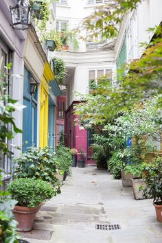 Passage de l'Ancre, 223 rue Saint-Martin, Paris, France.