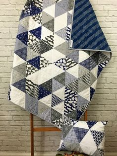 Triangle Baby Quilt - Custom Quilt - Triangle Quilt - Lindy J Quilts