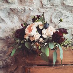 Niagara Wedding florist_Niagara Wedding flowers_garden roses_Fall wedding ideas_Ooh La La Designs follow us on Instagram at oohlaladesigns