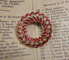 Vintage Christmas Wreath Gold and Red Enamel Rhinestone Brooch - BR-498