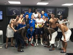 Kane with his team mates after ending 2017 as the top scorer in all of the major european leagues following his hat trick at home (Wembley) to Southampton. Spurs won 5-2. 26/12/17