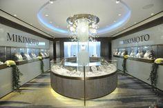 Jewelry Store Deco