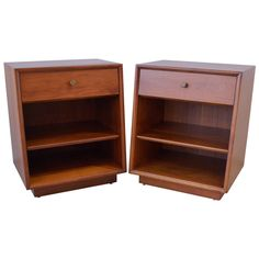 Pair of Kipp Stewart for Drexel Side Tables or Nightstands 1