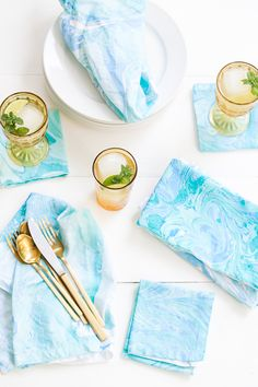 DIY Marbled Fabric Napkins