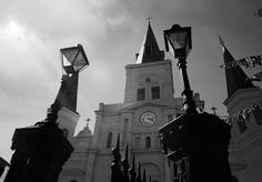Saint Louis Cathedral #saintlouiscathedral #saintlouis #cathedral #church #catholic #landmark #architecture #beautiful #old #history #historic #building #neworleans #nola #frenchquarter #chartresstreet #jacksonsquare #louisiana #blackandwhite #wormseyeview #flashback #fbf #friday #lategram by taracullen
