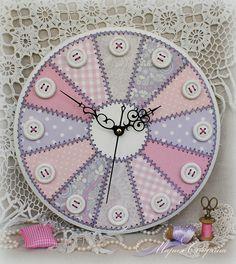 """Купить Часы настенные для рукодельницы """"Пэчворк в пастельных тонах"""" - часы настенные, часы настенные большие"""