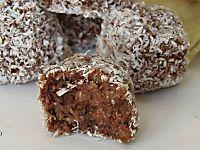 La torta nutella e' una ricetta semplice, infatti all'impasto basta solo aggiungere qualche cucchiaio di nutella e farcire con ciuffi di panna montata per dargli un aspetto incredibile con poco.