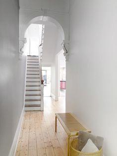 Victorian terrace interior, victorian terrace hallway, victorian homes, . Terraced House, Victorian Terrace Hallway, Victorian Terrace Interior, Style At Home, Home Design, Interior Design, Design Ideas, Design Trends, Sweet Home