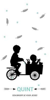 Geboortekaartje silhouette broer met baby jongen in bakfiets en veertjes en sterretjes