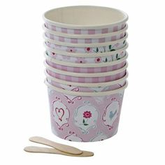 Take a look at this Meri Meri I'm a Princess Ice Cream Cup & Spoon - Set of 16 on zulily today! Princess Theme Party, Im A Princess, Candy Party, Party Treats, Sundae Cupcakes, Ice Cream Candy, Tea Party Decorations, Hen Party Accessories, Sleepover Party