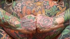 Inked bodies can become permanent pelts after a person is carefully skinned and then covered in preservative chemicals, like an animal hide. Flower Tattoo Meanings, Flower Tattoo Designs, Leg Tattoos, I Tattoo, Jeff Gogue, Small Tats, Tattoo Small, Celebrity Bodies, Girls With Sleeve Tattoos