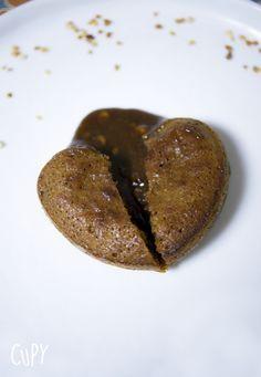 Mi-cuit très coulant et gourmand au pralin <3 http://www.cupy.fr/mi-cuit-pralin-coeur-coulant-gourmand/  #cupy #micuit #mi-cuit #chocolat #pralin #praliné #recette #saintvalentin #valentin #saint-valentin #love #coeur #silikomart #coeurcoulant #coulant #gourmand #dessert #recettefacile #facile #rapide