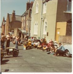 Image Lambretta Scooter, Vespa, Mod Girl, Scooter Girl, Sidecar, Old Skool, Scooters, Rally, Motorbikes