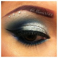 Hey Everyone!! Heres my eye look from yesterday! My phone didn't pick up all the glitter that I had on my eyelids, brow bone and cheekbone  there's was pretty much glitter all over my face!! Lol ☺ I hope everyone had a good New Years!! ✨✌ - @mari0543- #webstagram