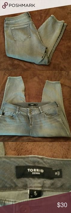 Torrid cropped jeggings Versatile gray color, worn once then washed and laid flat to dry. torrid Jeans