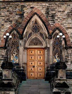 Gothic Revival architectural detail at Parliament Hill, Ottawa, Ontario, Canada. Revival Architecture, Gothic Architecture, Beautiful Architecture, Architecture Details, Arched Windows, Windows And Doors, Ottawa Ontario, Ottawa Canada, Places Around The World