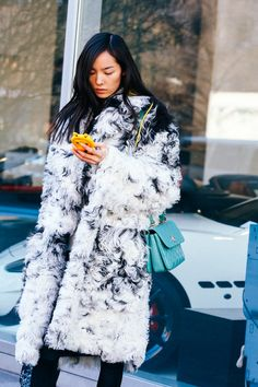 Street looks à la Fashion Week automne-hiver 2015-2016 de New York http://www.vogue.fr/mode/street-looks/diaporama/street-looks-la-fashion-week-automne-hiver-2015-2016-de-new-york/19083/carrousel#street-looks-la-fashion-week-automne-hiver-2015-2016-de-new-york-19