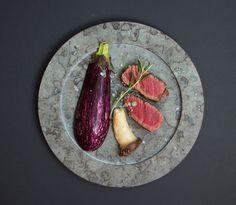 Limestone plate with meat from Stenhuggardottern