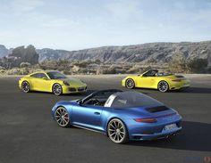 La famiglia della Porsche 911 si arricchisce delle versioni a trazione integrale Carrera 4 e 4S, declinate con carrozzeria coupè e cabriolet, e delle eleganti