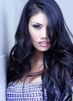 Ashley Callingbull (born on October is from Enoch Cree Nation in Alberta, Canada. She was second runner up for the Miss Universe Canada in 2010 and is currently working towards a B. in drama and physics at university in Edmonton. Native American Models, Native American Beauty, American Indians, Pageant Girls, Aboriginal People, Le Jolie, Model Body, Famous Women, Beauty Queens
