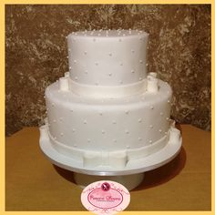 Bolo de casamento branco tradicional