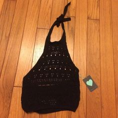 Kendall & Kylie Knit Halter Sweater knit halter top with a tie neck. Never been worn, NWT Kendall & Kylie Tops Crop Tops