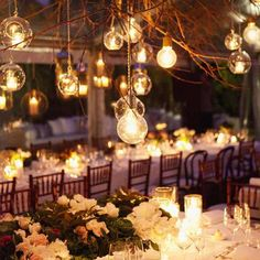 Quirky and original- beautiful light bulb vintage decor!