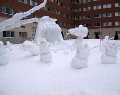 Hahahaha!!! Someone actually managed to do a real version of a Calvin and Hobbs snow monster!