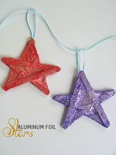 Aluminum Foil Stars Craft - a great Christmas kids craft or paint the stars yellow and hang above a child's bed for a fun nighttime scene