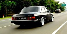 "thatyellowvolvoguy: "" swedmet: "" Indonesia killin it. Andri Glori's awesome 244GL "" Damn, nicely done. Very stately "" indeed"