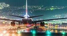 日本攝影師別所隆弘(Takahiro Bessho),是一名喜愛拍攝夜景的攝影愛好者,其最特出的照片是煙花跟夜間飛機攝影,他拍攝的飛機照片,在網絡上廣受好評。