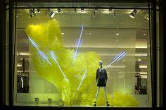 Japón #retail #windows #vitrines #vitrinas #escaparates #visualmerchandising Pineado por Pilar Escolano