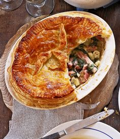 Use leftover ham in this Christmas pie recipe – a perfect way to use up Christmas leftovers. You can freeze the recipe, so you can enjoy your ham later on. Leftovers Recipes, Ham Recipes, Ham Dishes, Savory Tart, Savoury Pies, Spinach Pie, Cooking For A Crowd, Leftover Ham, Delicious Magazine