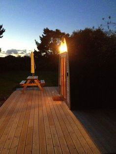 TRECOMBES LAKES CORNWALL, ENGLAND - GLAMPING POD AT NIGHT