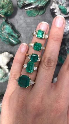 Emerald Ring Vintage, Emerald Jewelry, High Jewelry, Cute Jewelry, Diamond Jewelry, Jewelry Accessories, Green Emerald Ring, Jewelry Design, Emerald Rings