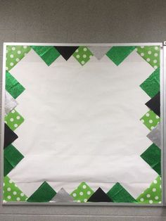 Such a cute way to decorate a bulletin board! Neat alternative to traditional border.