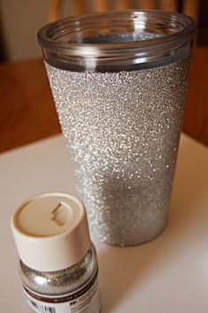 makes: diy: glitter cup Trying this as we speak! Glitter Azul, Glitter Cups, Glitter Room, Pink Glitter, Glitter Shirt, Glitter Heels, Glitter Converse, Glitter Tattoos, Glitter Gif