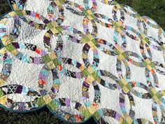 Find inspiration in the contemporary and traditional wedding ring quilts on the Craftsy Blog