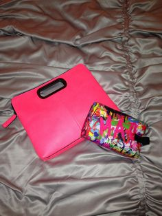 New Fashion Finds! Totally in love with my new clutch by BCBG & MAC make up bag. If you haven't realized I'm all about bright pops of color & a MAC lip girl all the way! #bcbg #maccosmetics #color #pop #accessories #dope