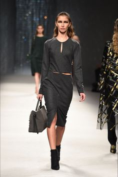Aigner Milano - Collections Fall Winter 2016-17 - Shows - Vogue.it