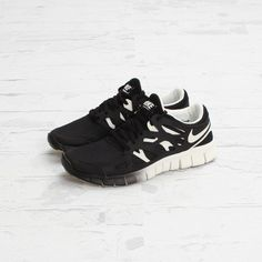 NIKE, FREE RUN 2: because i have three pairs of black and white sneakers, but none of them have a gradient. =SAID THE PINNER, but i love this look - I WANT!