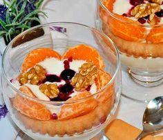 Postre rápido de yogur     Postre rápido de yogur  El yogur no solo sirve para el desayuno, también es un complemento perfecto para acompañar un almuerzo saludable. Como ya habrás adivinado he preparado para la receta de hoy un postre rápido de yogur.Así