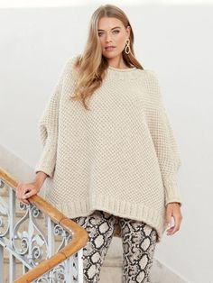 Mode Textured Poncho - Mode at Rowan 112 Poncho Poncho Knitting Patterns, Knitted Poncho, Easy Knitting, Knitting Yarn, Double Pointed Knitting Needles, Moss Stitch, Lang Yarns, Dress Gloves, Yarn Brands